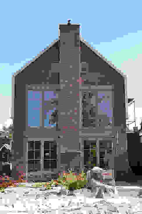 Industrial style houses by Nico Dekker Ontwerp & Bouwkunde Industrial