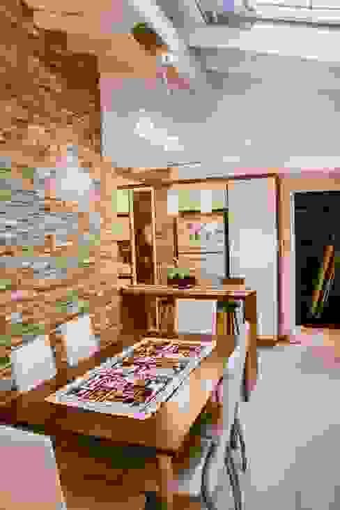 Remodelación Interior Vivienda de D&C Interiores Moderno