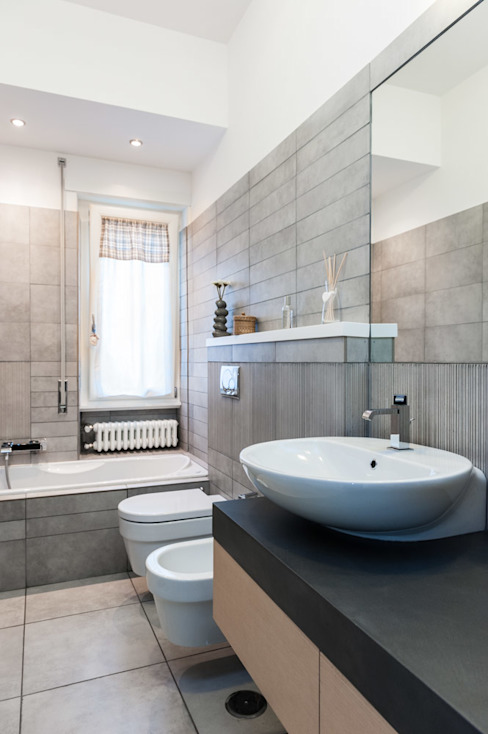 Minimalist style bathroom by Paolo Fusco Photo Minimalist