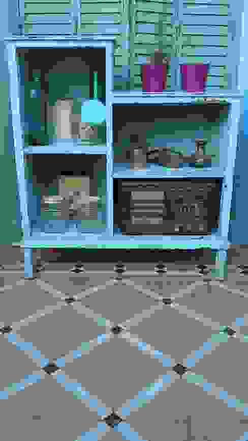 ALACENA/REPISA INTERVENIDA:  de estilo  por Muebles eran los de antes - Buenos Aires,Rústico Madera maciza Multicolor