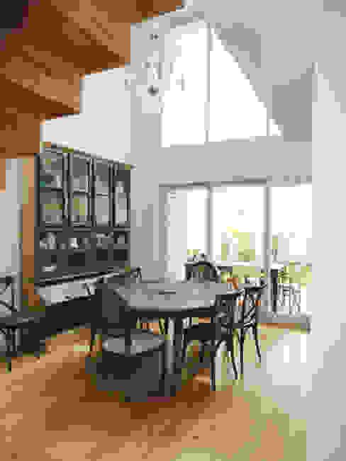 Sala de jantar Salas de jantar ecléticas por GAAPE - ARQUITECTURA, PLANEAMENTO E ENGENHARIA, LDA Eclético