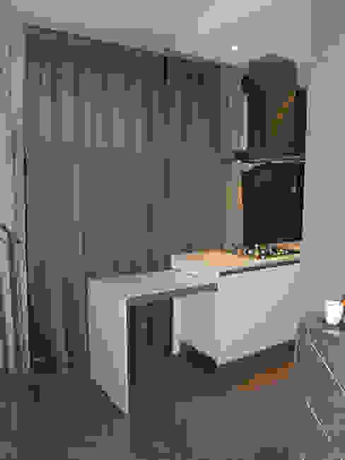 tavolo allungabile della cucina Cucina moderna di bilune studio Moderno
