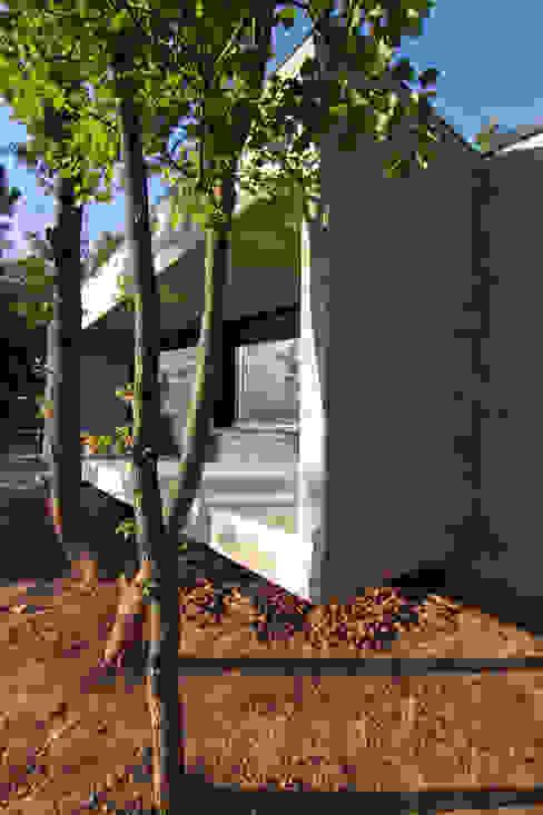 Acceso Casas de estilo minimalista de Comas-Pont Arquitectes slp Minimalista