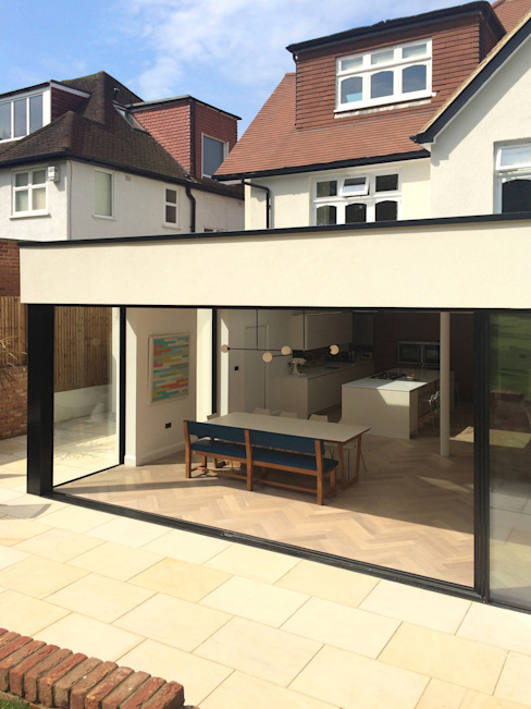 East Finchley Finestre & Porte in stile moderno di IQ Glass UK Moderno