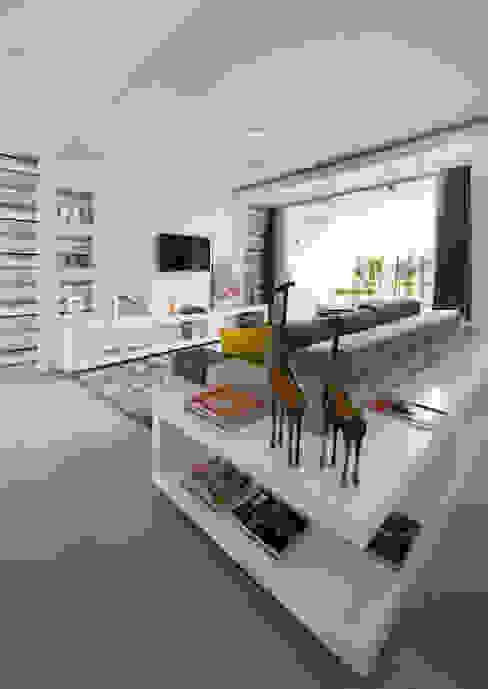 Modern Living Room by Magno Moreira Arquitetura Modern
