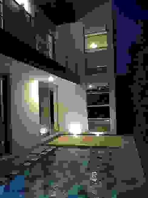 Residencial Campestre Piscinas de estilo moderno de Alzatto Arquitectos Moderno