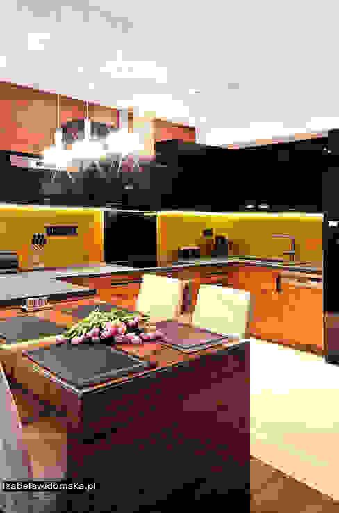 Cozinhas modernas por Izabela Widomska Interiors Moderno