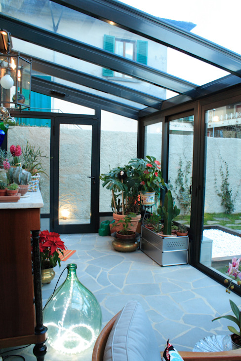 Jardines de invierno de estilo  por STUDIO MORALDI