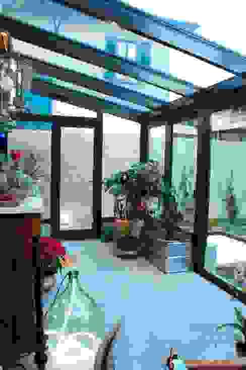 Conservatory by STUDIO MORALDI, Modern