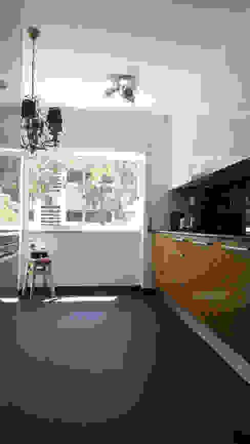ARQAMA - Arquitetura e Design Lda Modern Kitchen