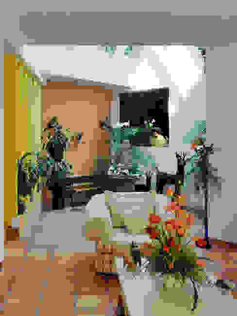 la sala Livings de estilo colonial de Excelencia en Diseño Colonial Ladrillos