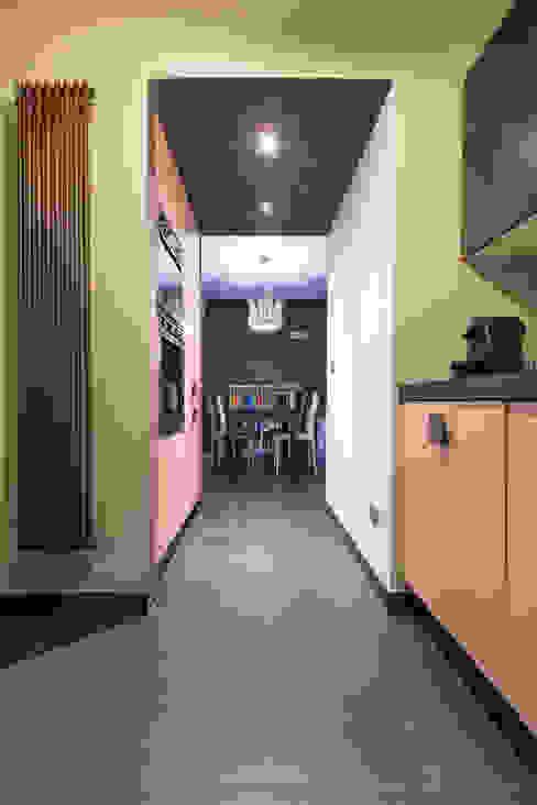 Villa a schiera Roma Cucina moderna di Laura Galli Architetto Moderno
