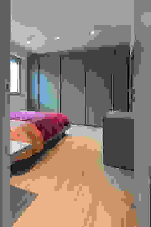 Villa a schiera Roma Camera da letto moderna di Laura Galli Architetto Moderno
