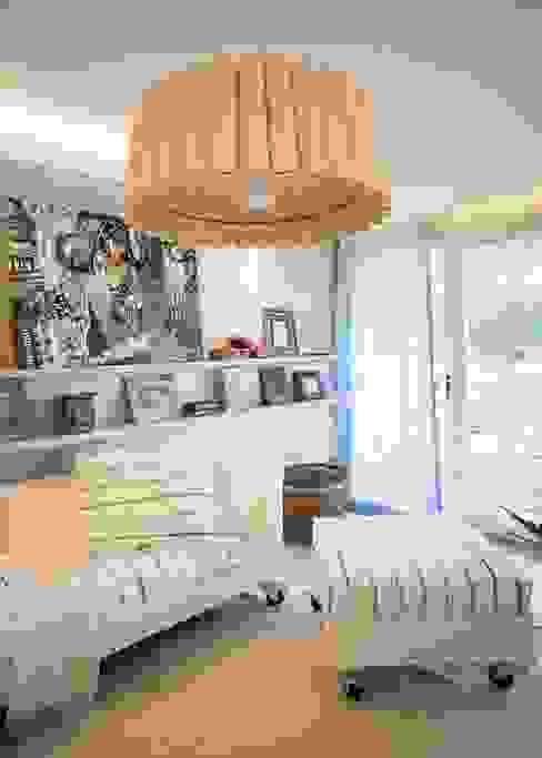 VIVIR Y TRABAJAR JUNTO AL MAR Livings modernos: Ideas, imágenes y decoración de Ines Calamante Diseño de Interiores Moderno