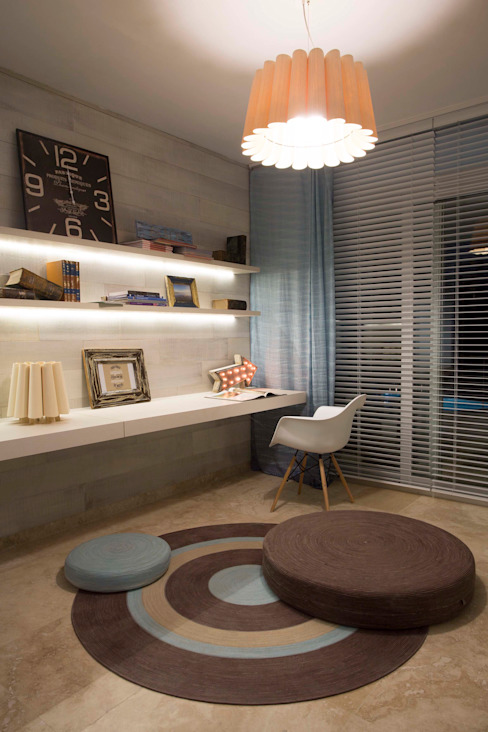 Modern Study Room and Home Office by Ines Calamante Diseño de Interiores Modern