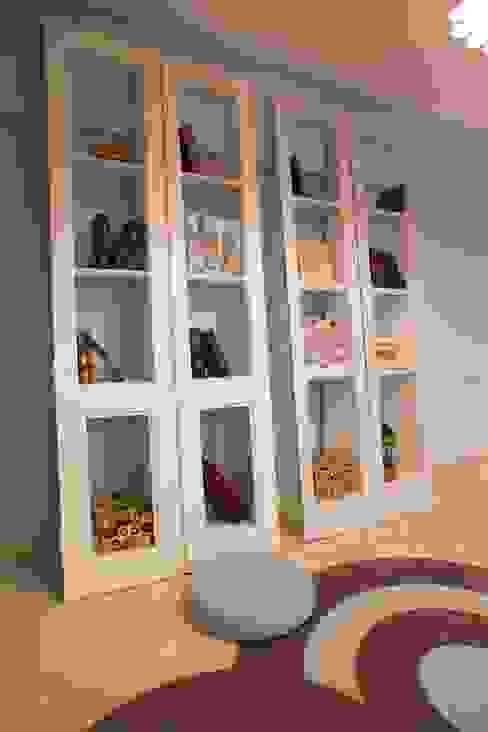 VIVIR Y TRABAJAR JUNTO AL MAR Estudios y oficinas modernos de Ines Calamante Diseño de Interiores Moderno