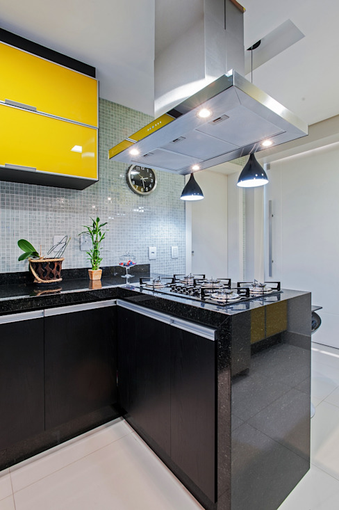 Kitchen by Patrícia Azoni Arquitetura + Arte & Design, Modern