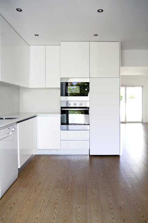 moradia JE Cozinhas modernas por involve arquitectos Moderno