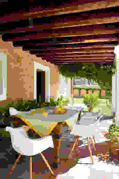 Casa en Ibiza Balcones y terrazas de estilo rural de recdi8 Rural