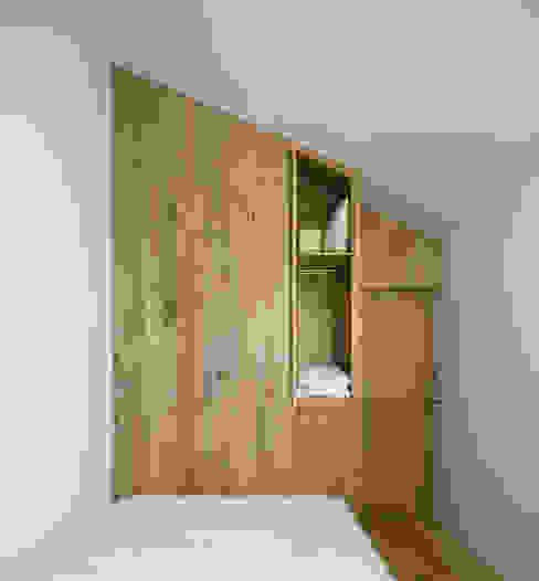 Bedroom by BICA Arquitectos,