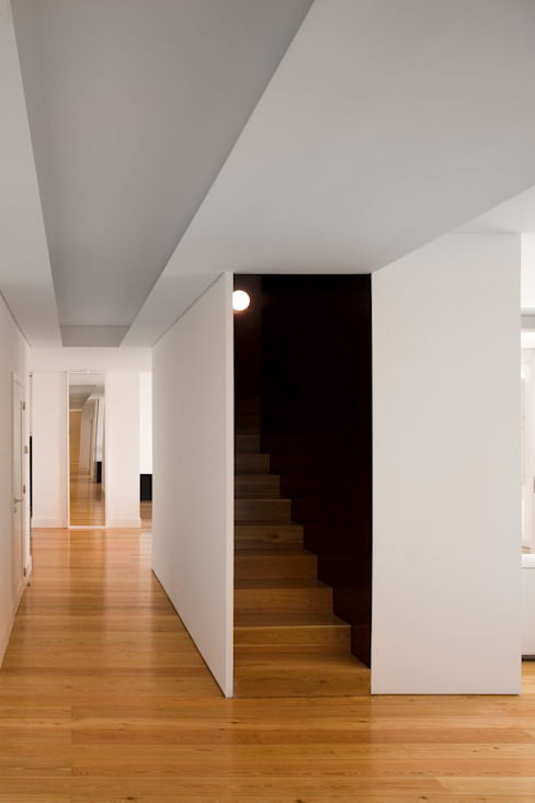 Corridor and hallway by BICA Arquitectos,