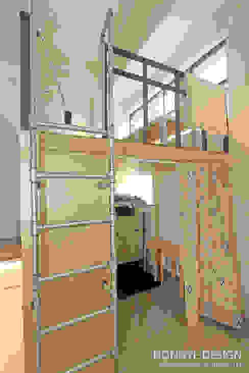 Ruang Studi/Kantor Gaya Industrial Oleh 홍예디자인 Industrial