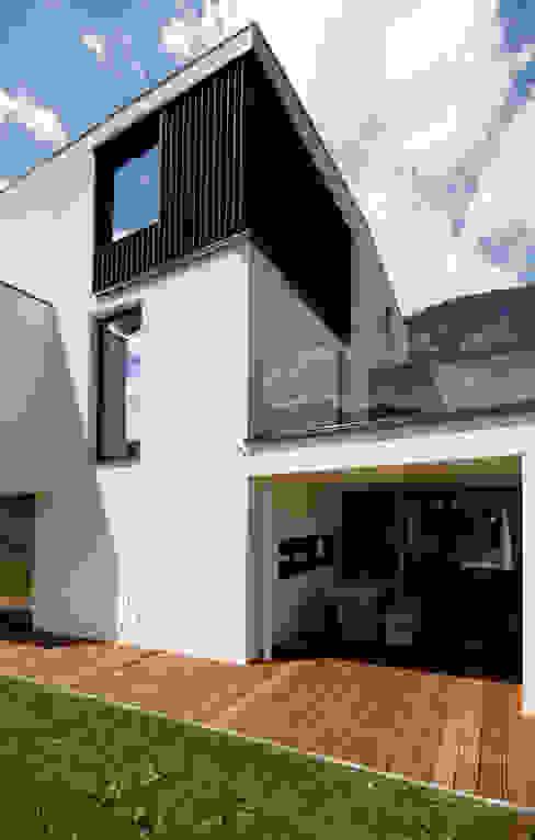 Moderne balkons, veranda's en terrassen van BESTO ZT GMBH_ Architekt DI Bernhard Stoehr Modern