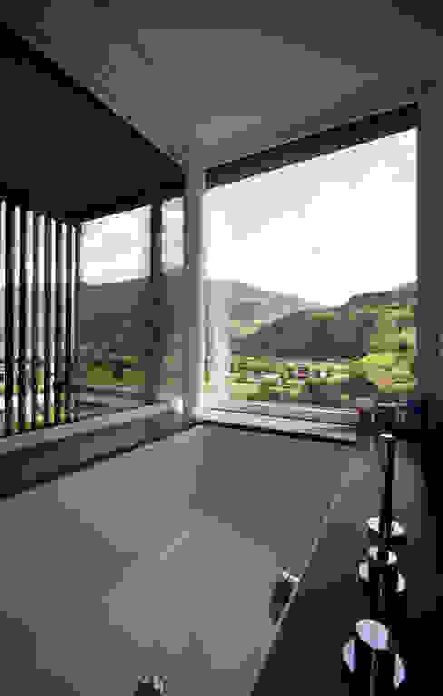 Moderne badkamers van BESTO ZT GMBH_ Architekt DI Bernhard Stoehr Modern