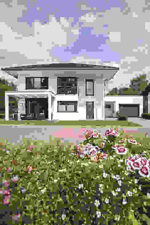 Energieeffizienz und Design: modern  von WeberHaus,Modern