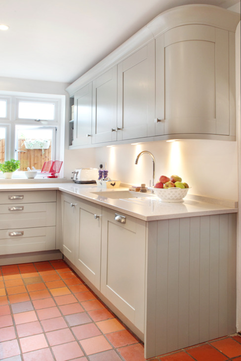 Orchard Way Classic style kitchen by in-toto Amersham Classic