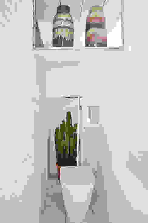 UNLIMITED SPACE CERAMIC HOUSE Centros de exposiciones de estilo minimalista de Ruiz Velázquez Minimalista Cerámica