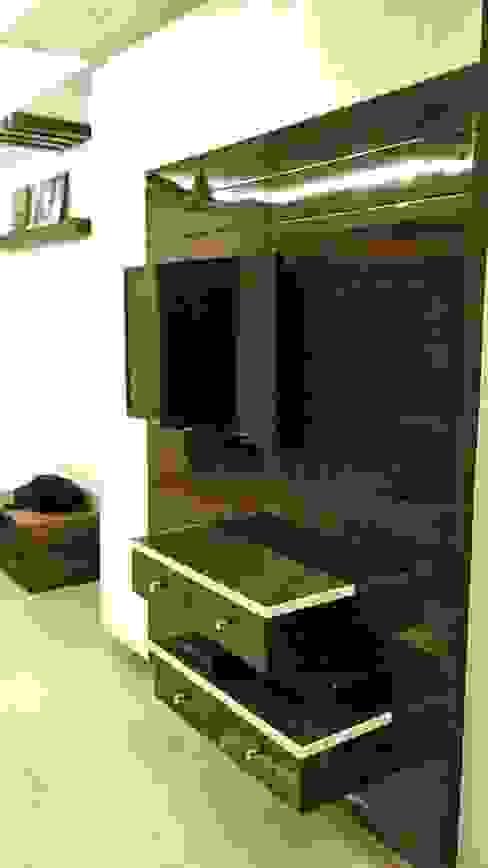 3BHK apartment Modern living room by Interiors By Suniti Modern