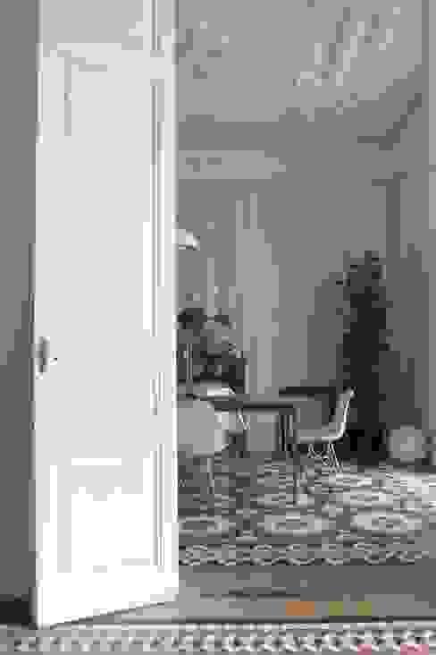 Sala da pranzo in stile mediterraneo di homify Mediterraneo