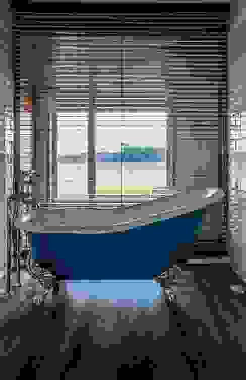 """""""Pier 67"""" Casas de banho modernas por Arpadór, Arquitectos e Associados, lda Moderno"""