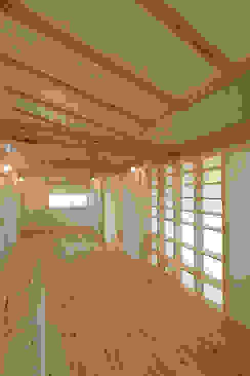 Nursery/kid's room by 加藤淳一級建築士事務所