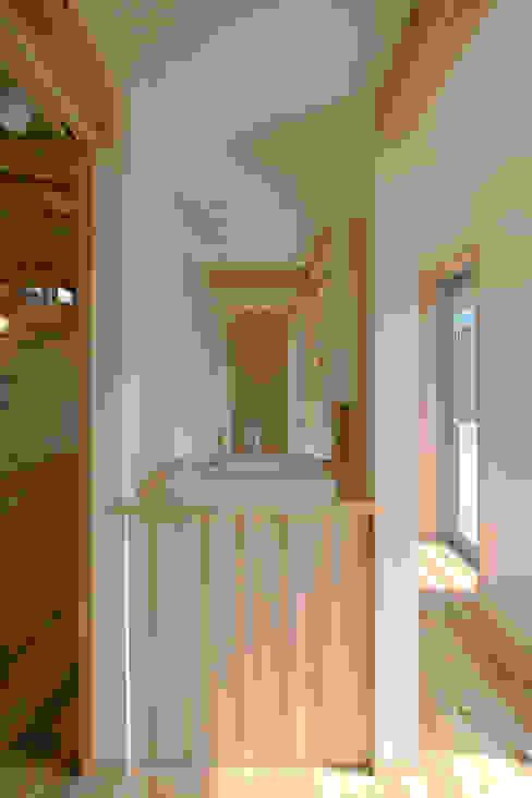 Bathroom by 加藤淳一級建築士事務所