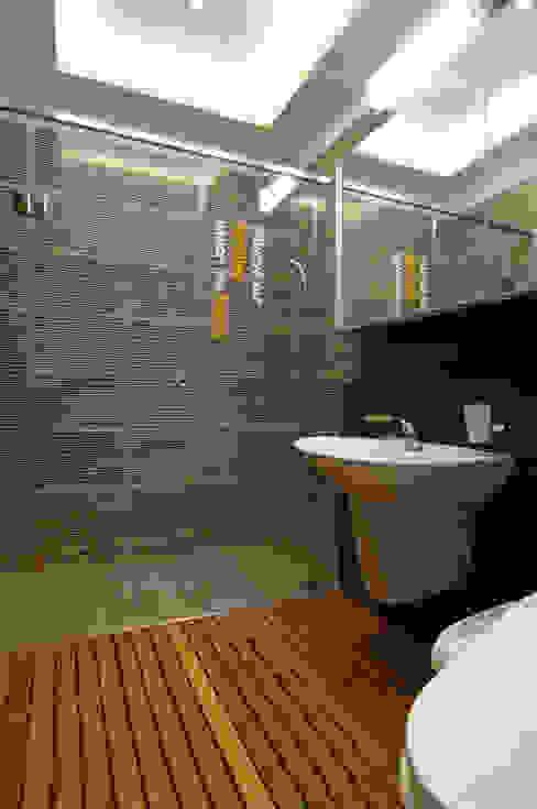 Modern bathroom by Design A3 Modern