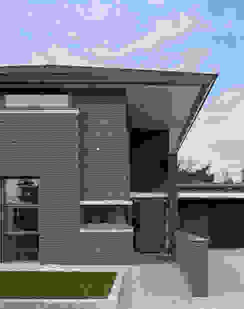 Modern houses by Engelman Architecten BV Modern