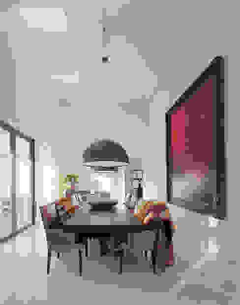 Villa in Limburg Moderne eetkamers van Engelman Architecten BV Modern