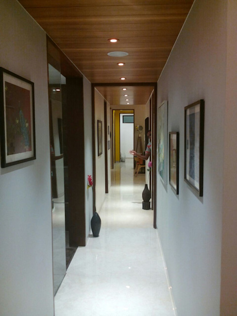 Residential Interior Project @ Mumbai Eclectic style corridor, hallway & stairs by Nikneh studio Eclectic