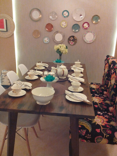 Residential Interior Project @ Mumbai Eclectic style dining room by Nikneh studio Eclectic