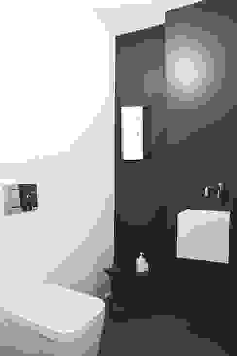 Casa Giano Bagno moderno di MIROarchitetti Moderno