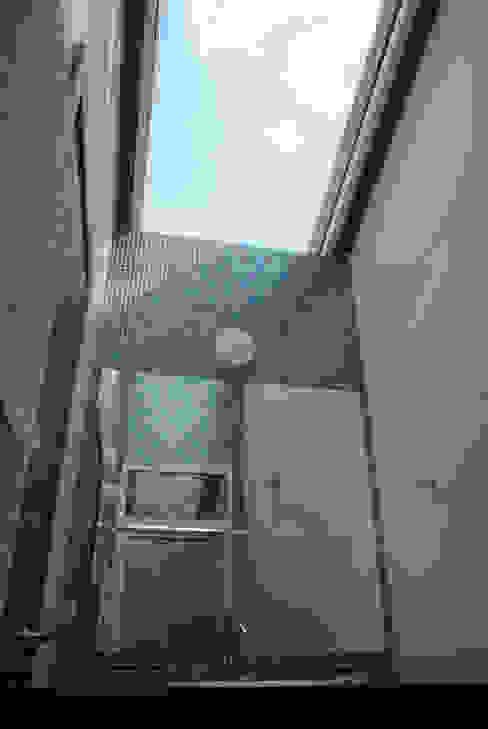 Residência RLC Banheiros modernos por Squadra Arquitetura Moderno Vidro