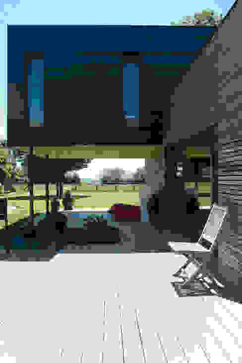 Moderne Häuser von Atelier d'Architecture Marc Lafagne, architecte dplg Modern