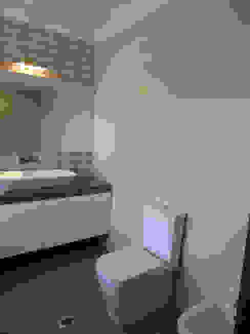 Casa de Banho Casas de banho modernas por Happy Ideas At Home - Arquitetura e Remodelação de Interiores Moderno
