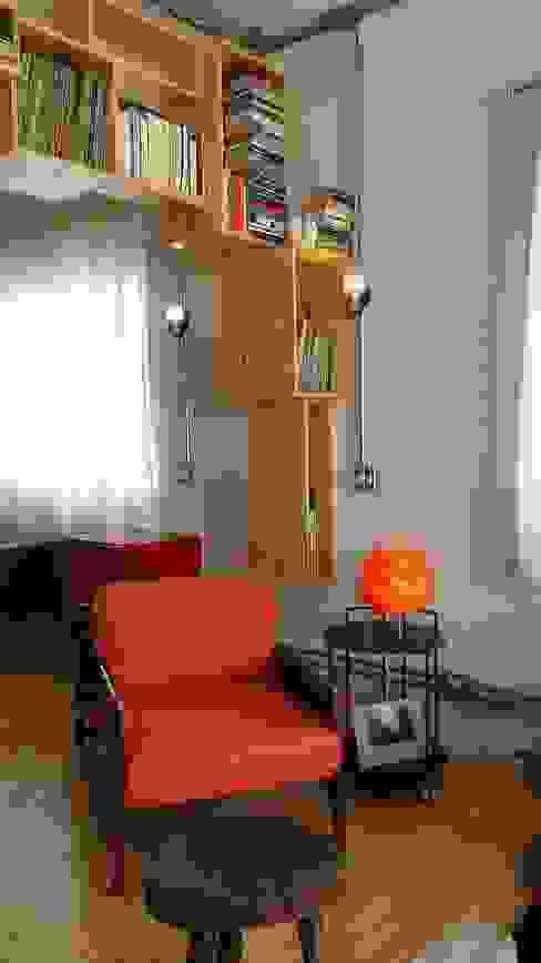 Living room by omnibus arquitetura