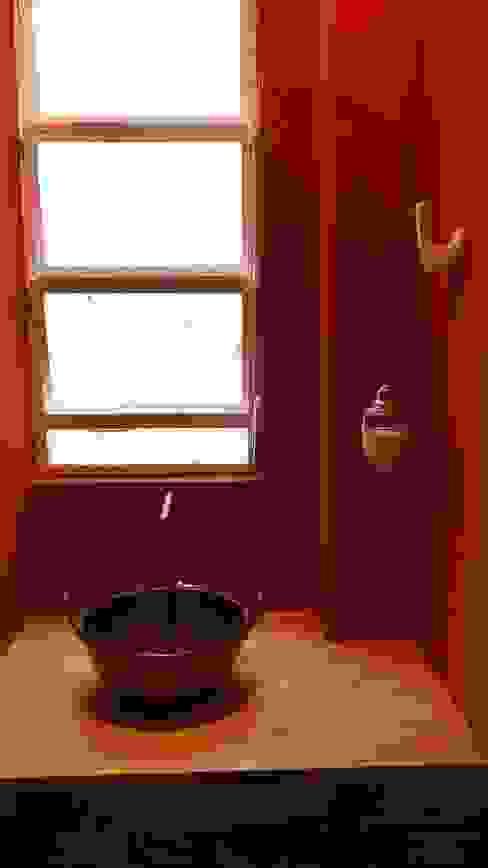 Baños de estilo rústico de omnibus arquitetura Rústico Cobre/Bronce/Latón