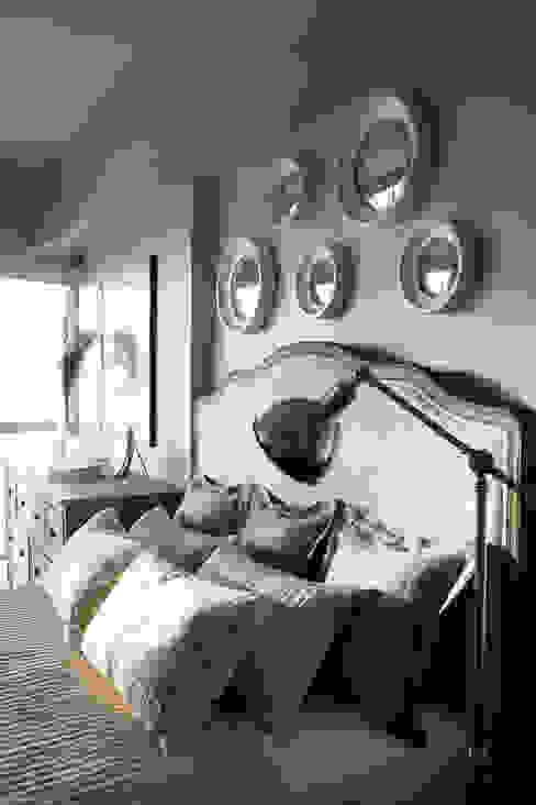 Appartement, 2012 Chambre classique par ANNA DUVAL Classique