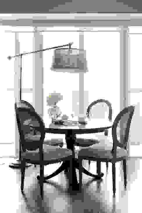 Appartement, 2012 Salle à manger classique par ANNA DUVAL Classique
