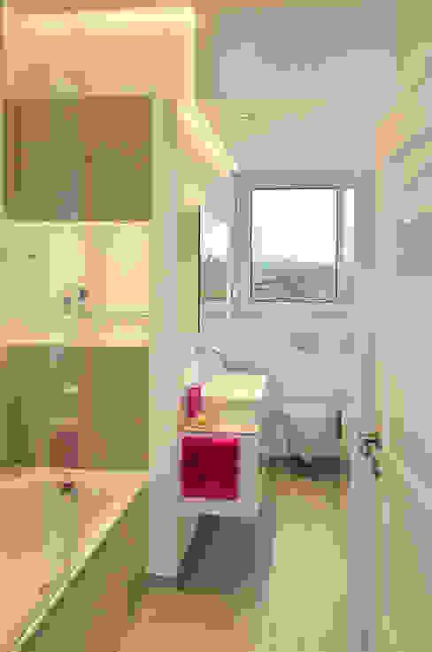 HONEYandSPICE innenarchitektur + design Modern bathroom